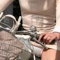 【アダルト自転車パンチラ】一日の始まりや終わりをを華やかにしてくれる自転車パンチラ!前も後もばっちり見えちゃった画像集めました。