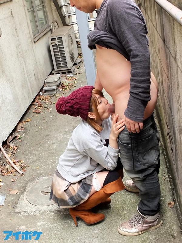 【野外SEX画像】どこでもお構い無しにヤリまくっちゃうめちゃカワ美女wwwww