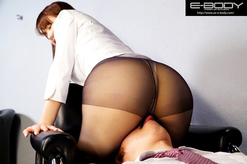 【誘惑エロ画像】枕営業って本当にあるの?!人妻生保レディの驚愕の実態がコチラwww04