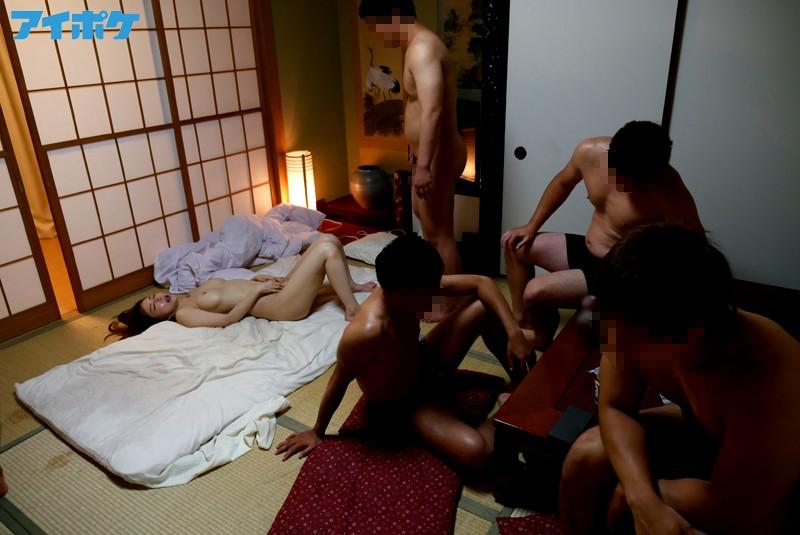 【強姦エロ画像】あの現役AV女優をガチレイプwww激しいスパンキングに終わらない輪姦www12