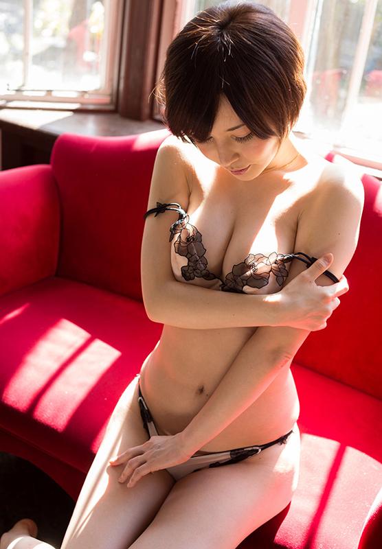 【強姦エロ画像】あの現役AV女優をガチレイプwww激しいスパンキングに終わらない輪姦www15