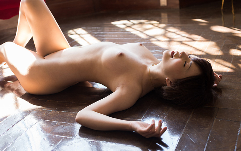 【強姦エロ画像】あの現役AV女優をガチレイプwww激しいスパンキングに終わらない輪姦www18