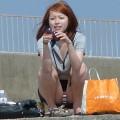 【街撮りパンチラエロ画像】偶然見つけた街中の女の子たちのパンチラがエロい!