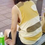 【ノーブラエロ画像】街中でこんな女の子見かけたら、どうしたって二度見するだろ!?