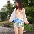 【野外露出エロ画像】一歩まちがえれば露出狂!野外露出を楽しむ素人娘www