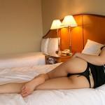【Tバックエロ画像】女の子のお尻をセクシーに魅力的に演出するパンティー!