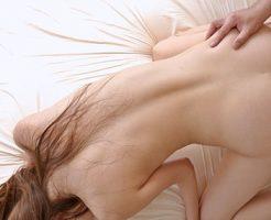【バックエロ画像】お尻フェチにも大好評の後背位というセックスの体位!