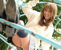 【JKコスプレエロ画像】ホンモノJKに勝るとも劣らない制服コスプレ美女たち!