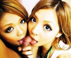 【ダブルフェラエロ画像】夢の3Pで美女たちが二人で一本のちんぽを取り合い亀頭や裏筋、金玉を舐めてくれるダブルフェラのエロ画像集!ww【80枚】