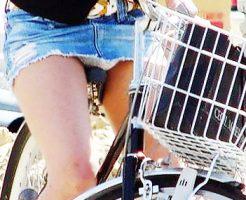 【自転車パンチラエロ画像】自転車通学中の素人JKやリクルートスーツの就活JD、買い物中のミニスカギャルのパンチラ盗撮に成功した自転車パンチラのエロ画像集!w【80枚】