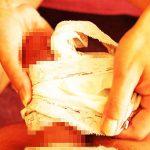【パンツコキエロ画像】ヤリマンJKや小悪魔ビッチが脱ぎたてパンティーをM男のちんぽに巻きつけオラオラと手コキをしているパンツコキのエロ画像集!ww【80枚】