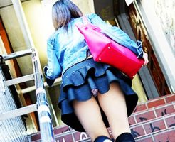 【階段パンチラエロ画像】素人女子の階段パンチラを盗撮する為にエレベーターは使わない!性欲解消と運動にもなる階段パンチラのエロ画像集!ww【80枚】