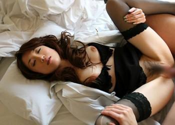 【着衣セックスエロ画像】着衣の魅力をそのまま残してセックスするってやつ!
