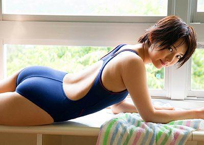 【競泳水着エロ画像】これほどまでにエロい競泳水着に驚きを隠せないんだがwww