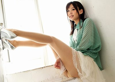 【美脚エロ画像】美しき脚線美!女の子のスラリと伸びた美脚を愛でる美脚エロ画像