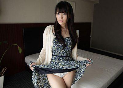 【セルフパンチラエロ画像】女の子が自主的にパンチラ見せてくれるっていうアレwww