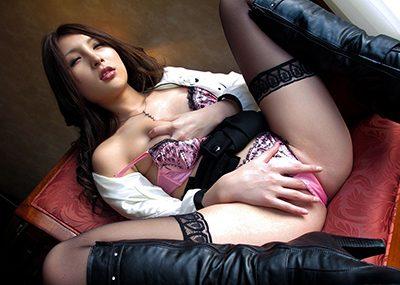 【指オナニーエロ画像】溜まった性欲はオナニーで発散するオナニー女子!