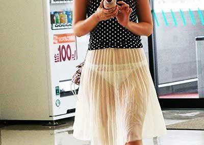 【透けパンツエロ画像】パンツ丸見えよりもタイトスカートや履いて下着が透けてる素人女子のほうが興奮しちゃう透けパンツのエロ画像酒!ww【80枚】
